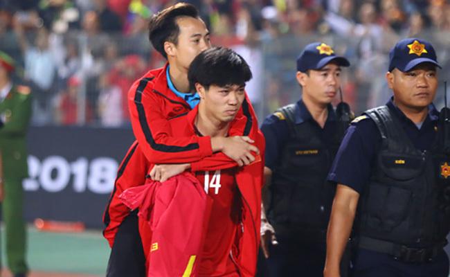 Văn Toàn: 'Tôi đã cố gắng không khóc'