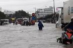 Bão số 9: Ngập lụt khắp Nam Trung Bộ, sạt lở đường đi sân bay Cam Ranh