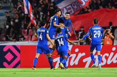 Đè bẹp Singapore, Thái Lan chiến Malaysia ở bán kết AFF Cup