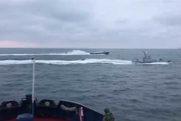Xem tàu chiến Nga rượt đuổi, tấn công tàu Ukraina