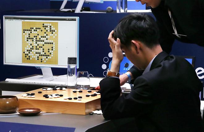 AI tự học hỏi nhưng chưa thể hiểu chính mình
