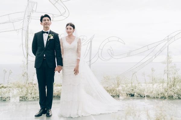 Người đẹp 'Ỷ Thiên Đồ Long Ký' bỏ tỷ phú, lấy chồng kém 9 tuổi