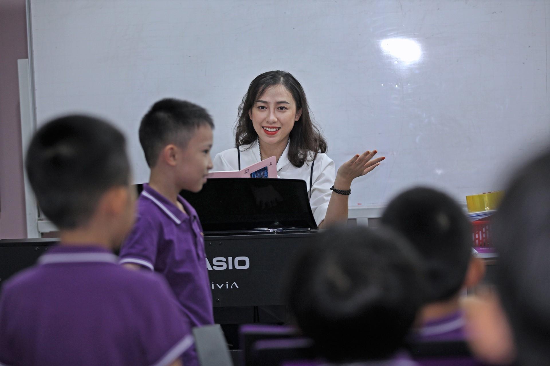 Giáo viên yêu nghề, giáo dục suôn sẻ