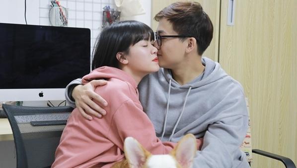 MC Trần Ngọc 'Hãy chọn giá đúng': Tôi chuyên nghiệp trong việc 'đội vợ lên đầu'