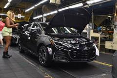 GM đóng cửa hàng loạt nhà máy