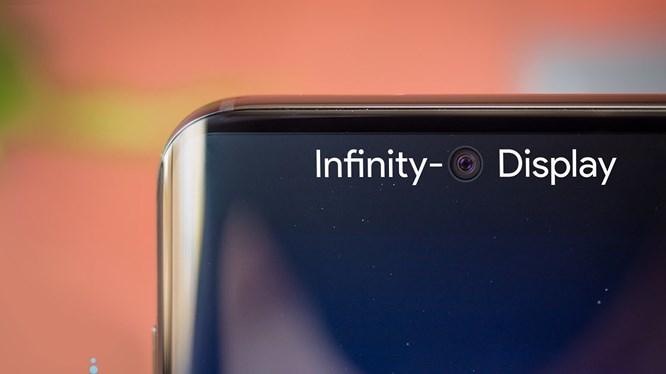 """Huawei có thể tung ra điện thoại """"nốt ruồi"""" trước cả Samsung"""