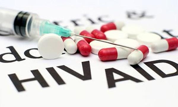 Mục tiêu 90-90-90 'nâng đỡ' người có HIV