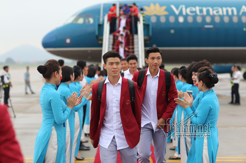 Vietnam Airlines phục vụ chuyến bay riêng cổ vũ đội tuyển Việt Nam