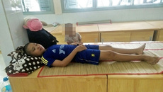 Cậu bé bệnh tật khát khao được đi học
