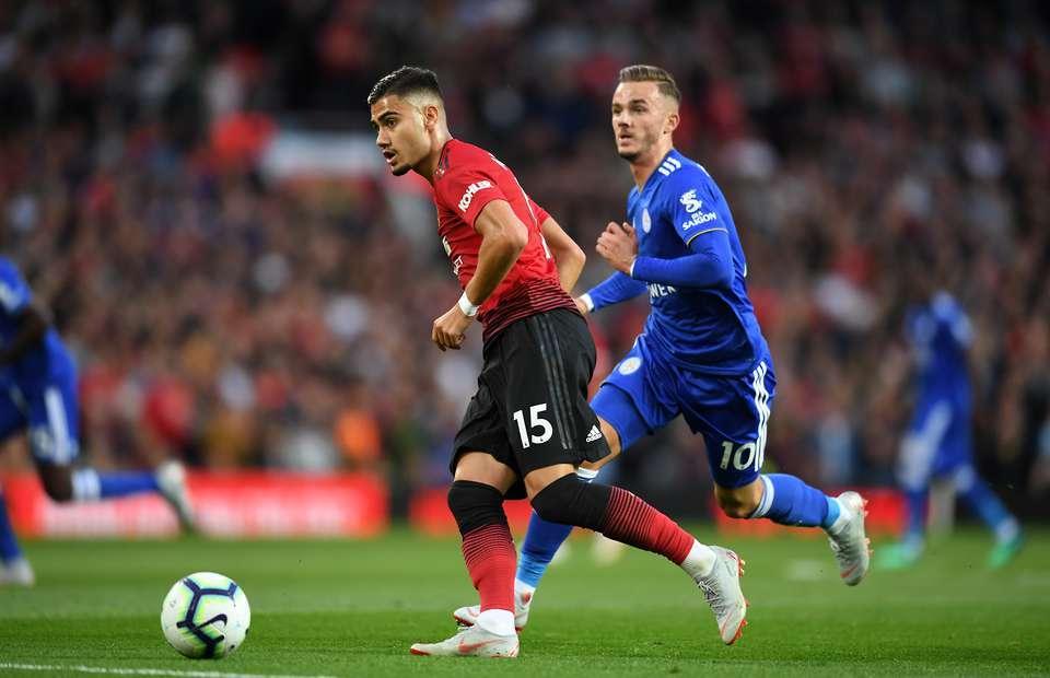 Mourinho cảnh báo học trò, Pereira đào tẩu khỏi MU