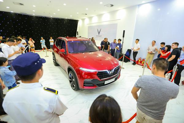 Nhiều lý do khiến khách không tiếc tiền để sở hữu xe VinFast
