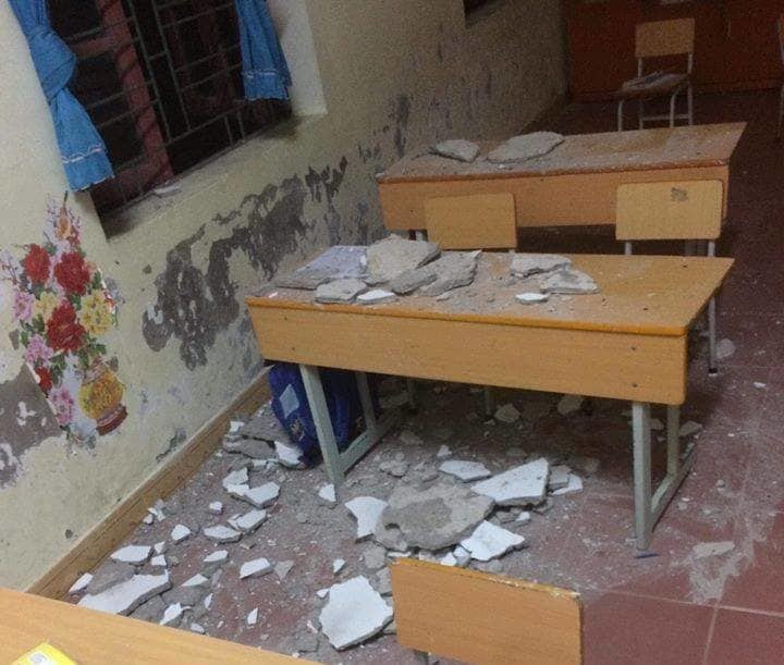Vữa trần phòng học bị sập, 3 học sinh lớp 1 nhập viện cấp cứu