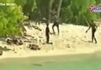 Kỳ lạ bộ lạc nguyên thủy sát hại người lạ viếng thăm