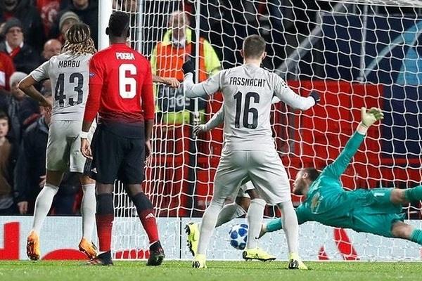 MU vào vòng 16 Cúp C1, Mourinho báo động các sếp bự