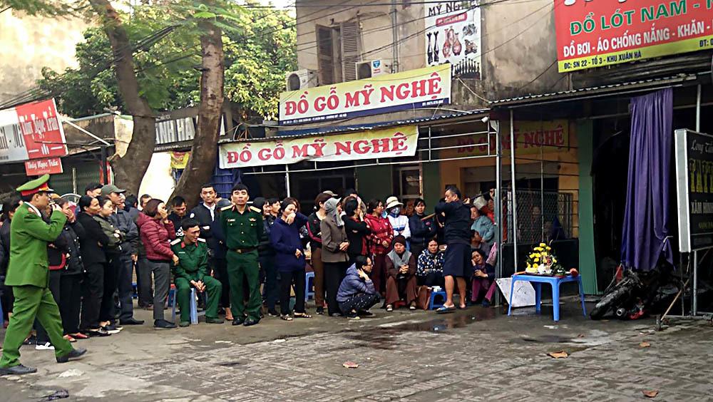 Hà Nội: Lửa thiêu rụi cửa hàng quần áo, nữ chủ nhân chết tức tưởi