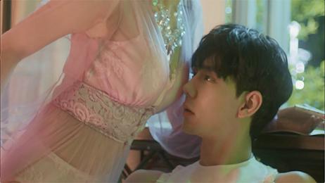 Phía Chi Pu nói gì khi MV 16+ bị chỉ trích phản cảm, khiêu dâm?