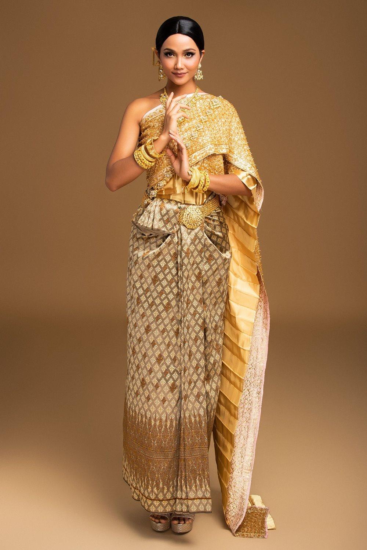 H'Hen Niê ấn tượng với trang phục người Thái