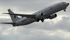 Máy bay Mỹ do thám Crưm, người Ukraina đào hào phòng chiến tranh