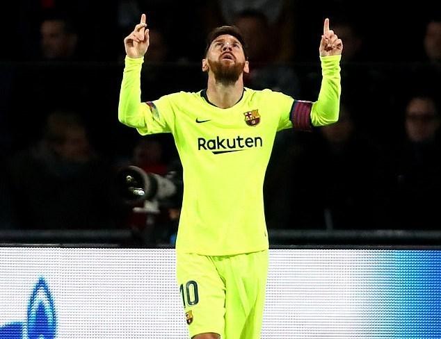 Messi ghi tuyệt phẩm, Barca vào vòng 1/8 với ngôi đầu