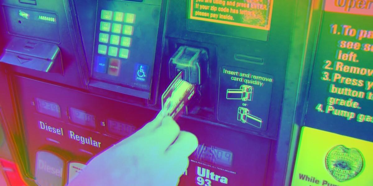 Đánh cắp mã thẻ tín dụng hàng nghìn người, nhóm tội phạm chịu án 30 năm tù