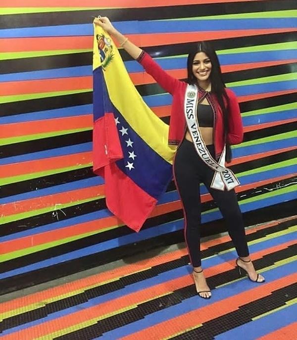 H'Hen Niê, Hoa hậu Colombia đi catwalk tại sân bay trước khi đến Miss Universe 2018