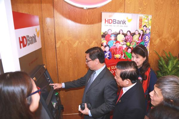 HDBank nhận giải thưởng ngân hàng bán lẻ tiêu biểu 2018