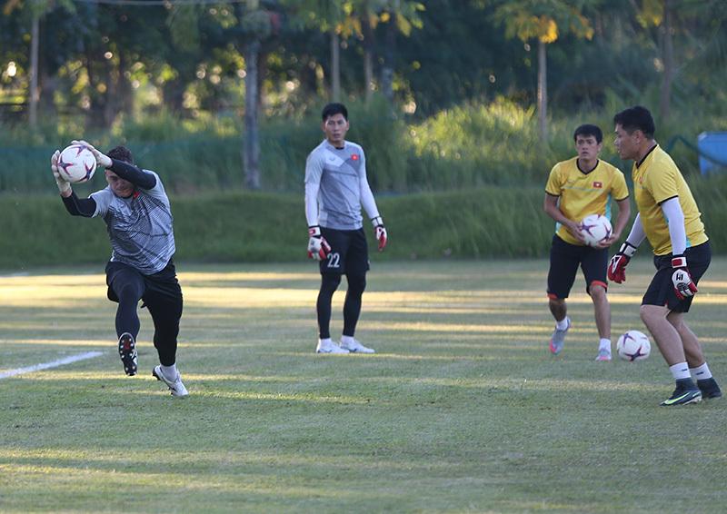 Thầy Park tung chiêu, tuyển Việt Nam háo hức đấu Philippines