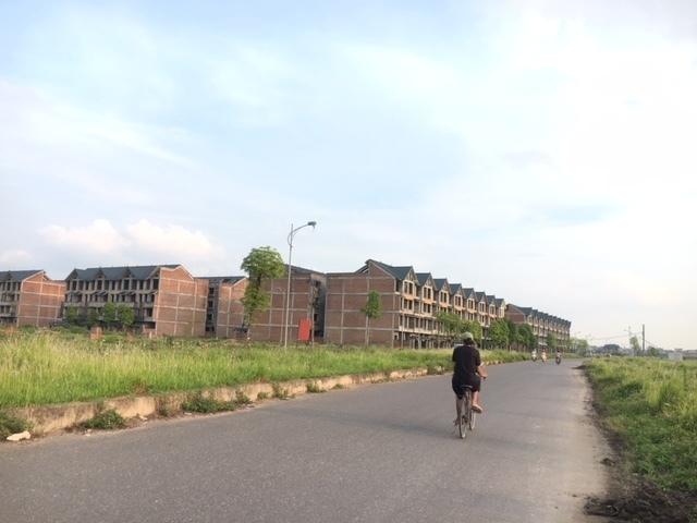 Ôm đất ở 'thủ phủ' dự án hoang, cử tri 'giục' Hà Nội thu hồi