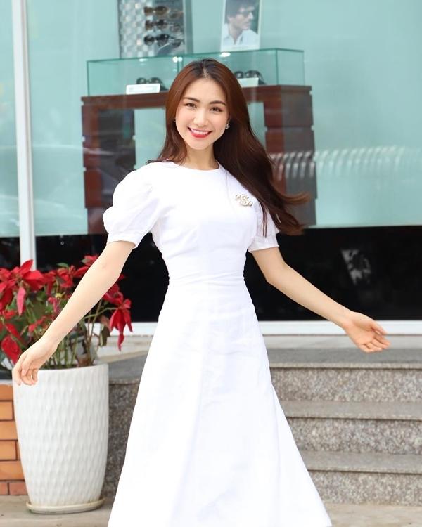 Sĩ Thanh,Hòa Minzy,Đàm Vĩnh Hưng,Phương Thanh,Hoàng Bách,Vy Oanh,Elly Trần