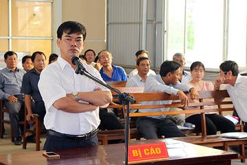 Cựu giảng viên cao đẳng bị phạt tù vì 'đòi xử' hiệu trưởng