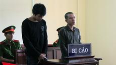 Bé gái 12 tuổi sinh con, hai thanh niên 'dắt nhau' vào tù