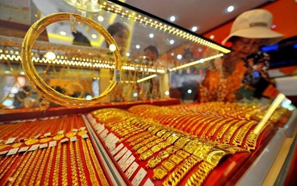 tư vấn pháp luật,vũ khí,tiệm vàng,cướp tiệm vàng