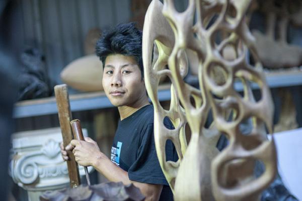 Nghệ sĩ 9X Trần Thược: 'Đi phải để lại dấu chân'
