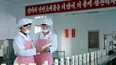 'Đột nhập' xưởng mỹ phẩm Triều Tiên sánh ngang với các thương hiệu thế giới