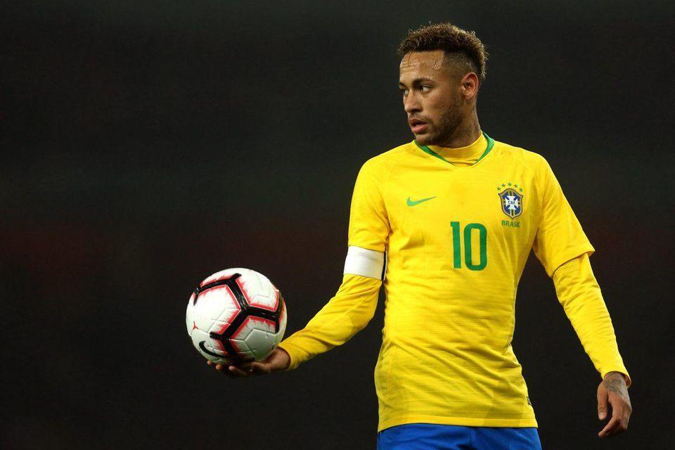 Mỹ nhân 21 tuổi kiếm tiền giỏi gấp đôi sao bóng đá Neymar