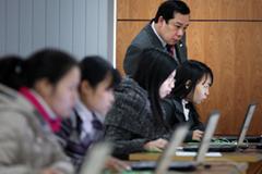Vào công chức phải thi 1 trong 5 ngoại ngữ, có cả tiếng Trung Quốc