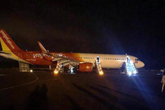 Thu giữ hộp đen máy bay Vietjet Air bị rơi lốp để điều tra