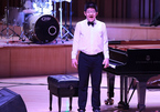Bất ngờ với màn chơi đàn của con trai diễn viên Quốc Tuấn