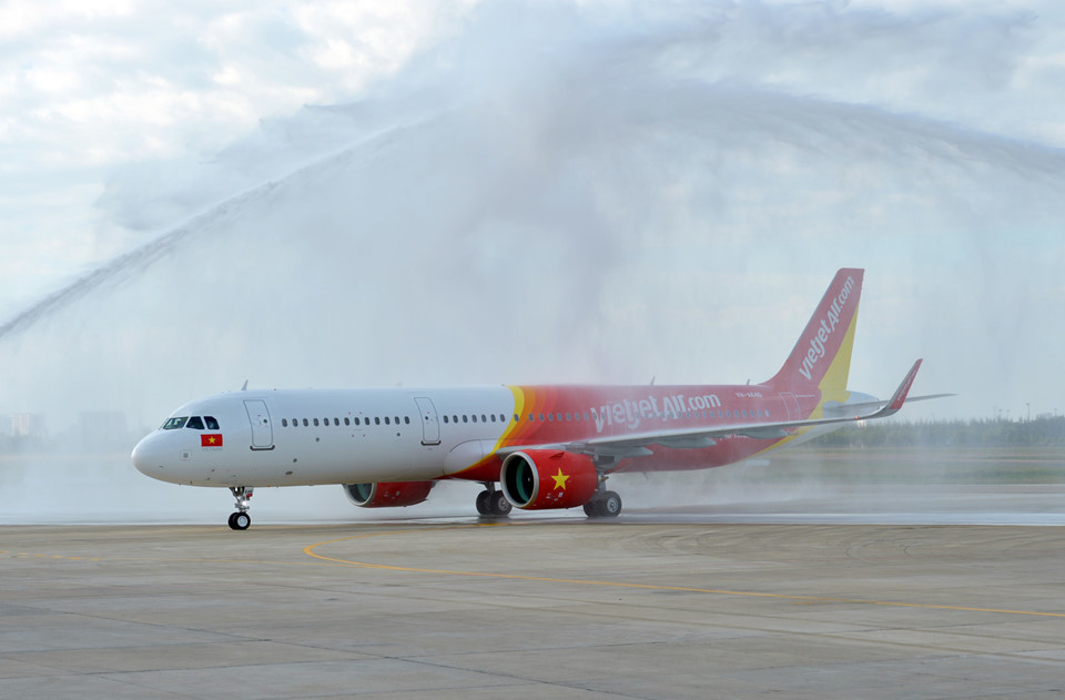 Sự cố máy bay Vietjet Air bị rơi lốp: Đình chỉ tổ bay