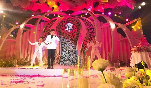 Ca sĩ Đan Trường xuất hiện trong đám cưới 4 tỷ nhà đại gia ở Thái Nguyên