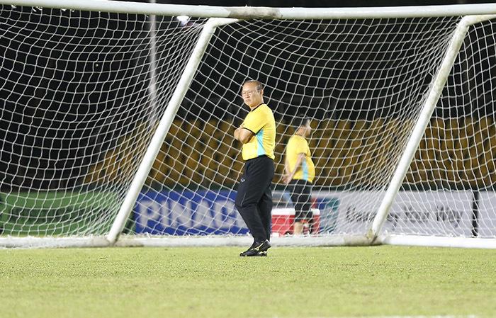 Thầy Park thử sân, tuyển Việt Nam sẵn sàng đấu Philippines