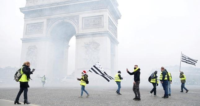 Thế giới 24h: Bạo lực bao trùm Paris