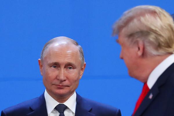 Hai nguyên thủ Trump, Putin hội đàm 'chớp nhoáng'