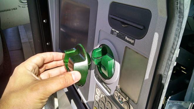 mất tiền trong tài khoản,thẻ ATM,rút tiền