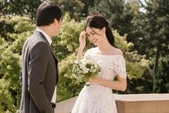 Ảnh cưới tại Paris của Á hậu Thanh Tú và đại gia hơn 16 tuổi