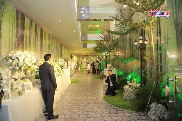 Tiệc cưới được bảo vệ nghiêm ngặt của Thanh Tú và đại gia hơn 16 tuổi