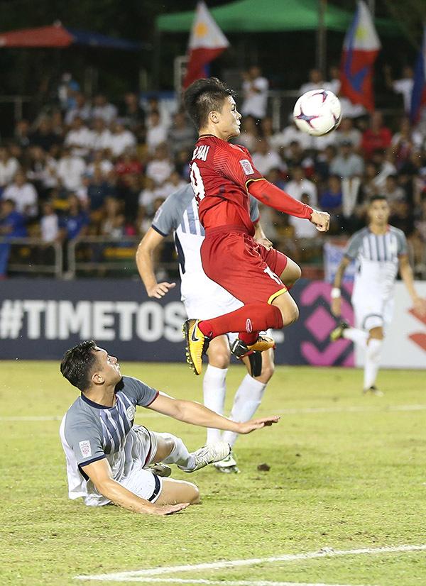 HLV Nguyễn Thành Vinh: 'Việt Nam thắng Philippines 1-0, vào chung kết!'