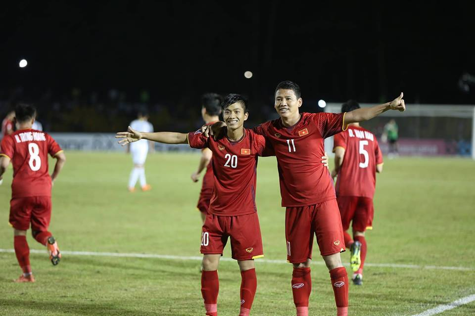"""Phan Văn Đức: """"Việt Nam sẽ vào chung kết AFF Cup"""""""