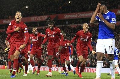 Liverpool thắng nghẹt thở Everton phút bù giờ