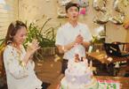 Đàm Thu Trang cười hết cỡ trong sinh nhật do Cường đô la tổ chức